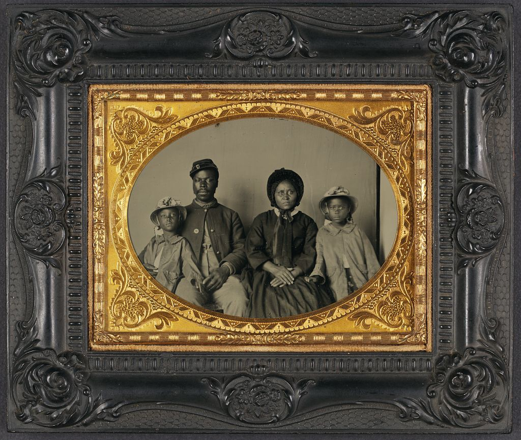 Unidentified Union Soldier and Family