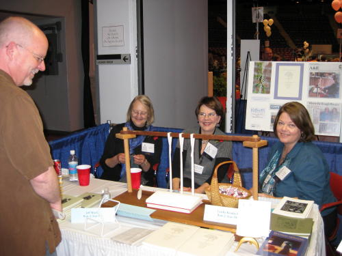 Wyn Morris stops by to chat with Leatha, Pam, and Susan